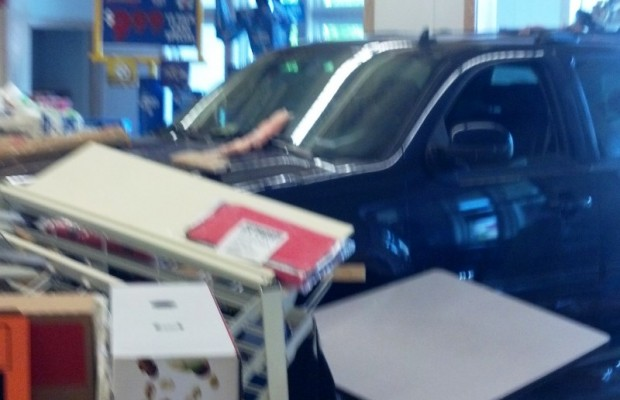 Car Crashes Into Forest Lakes 7-11; No Injuries