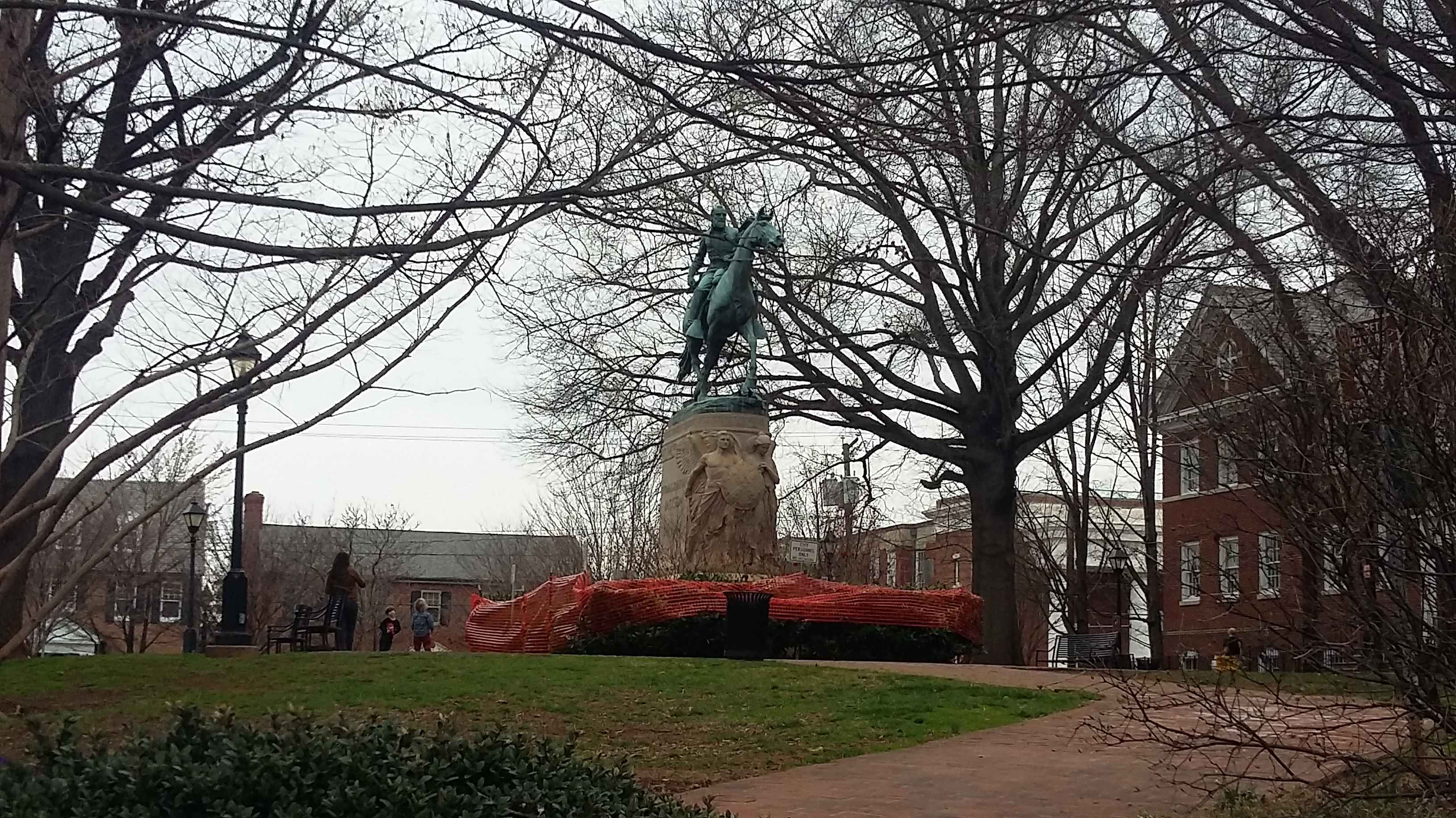 City removes statue shrouds following Tuesday hearing